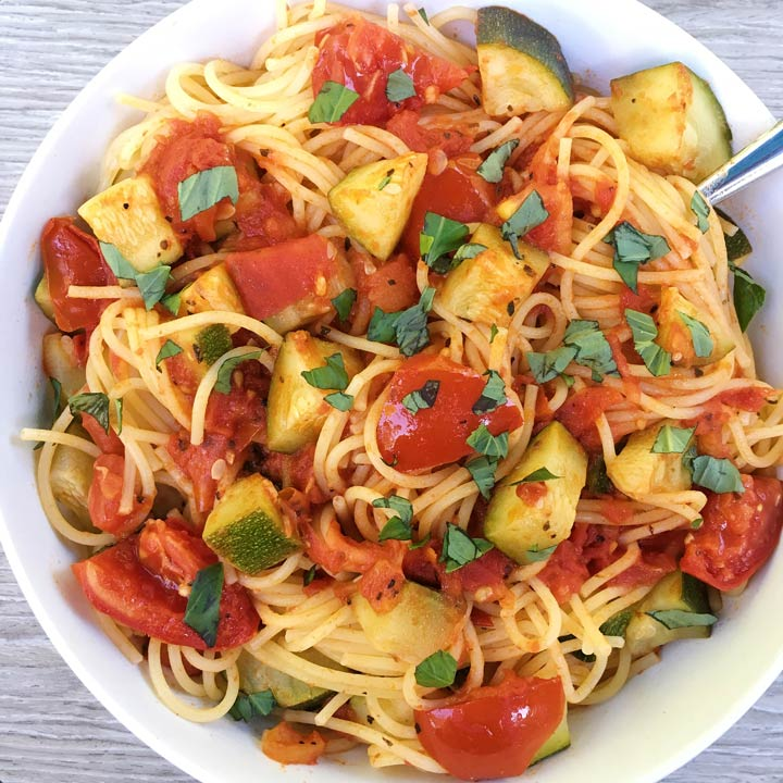 zucchini and plum tomatoes with pasta