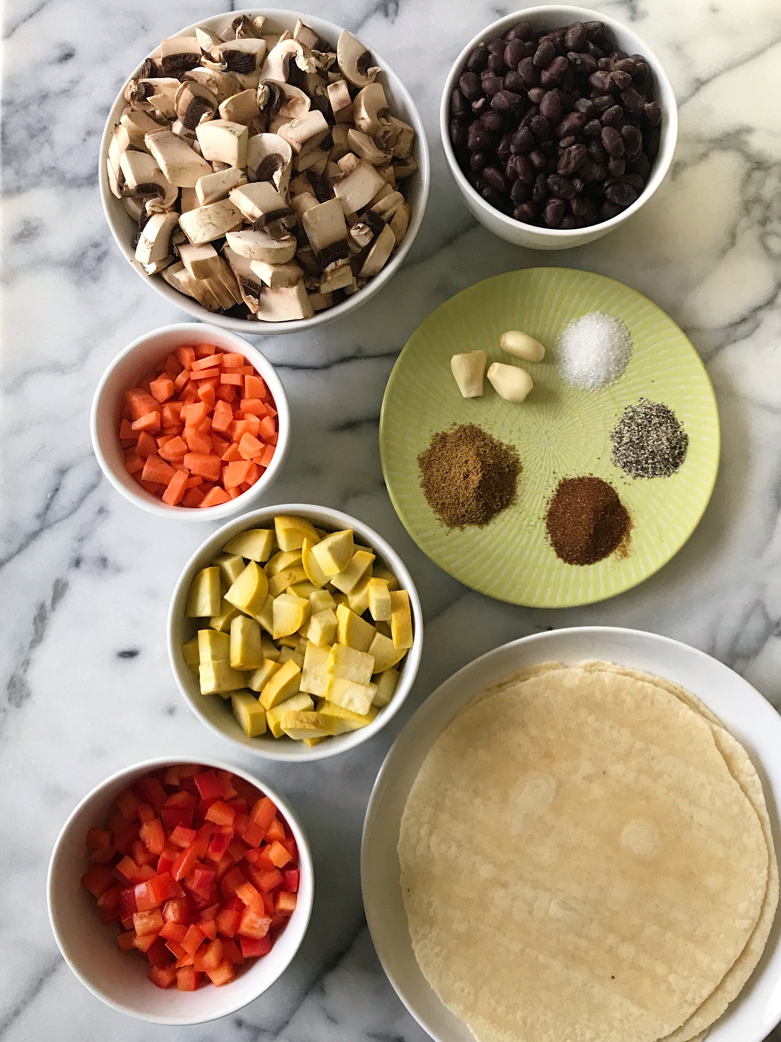 veggie black bean quesadillas gluten free #glutenfreerecipes www.healthygffamily.com