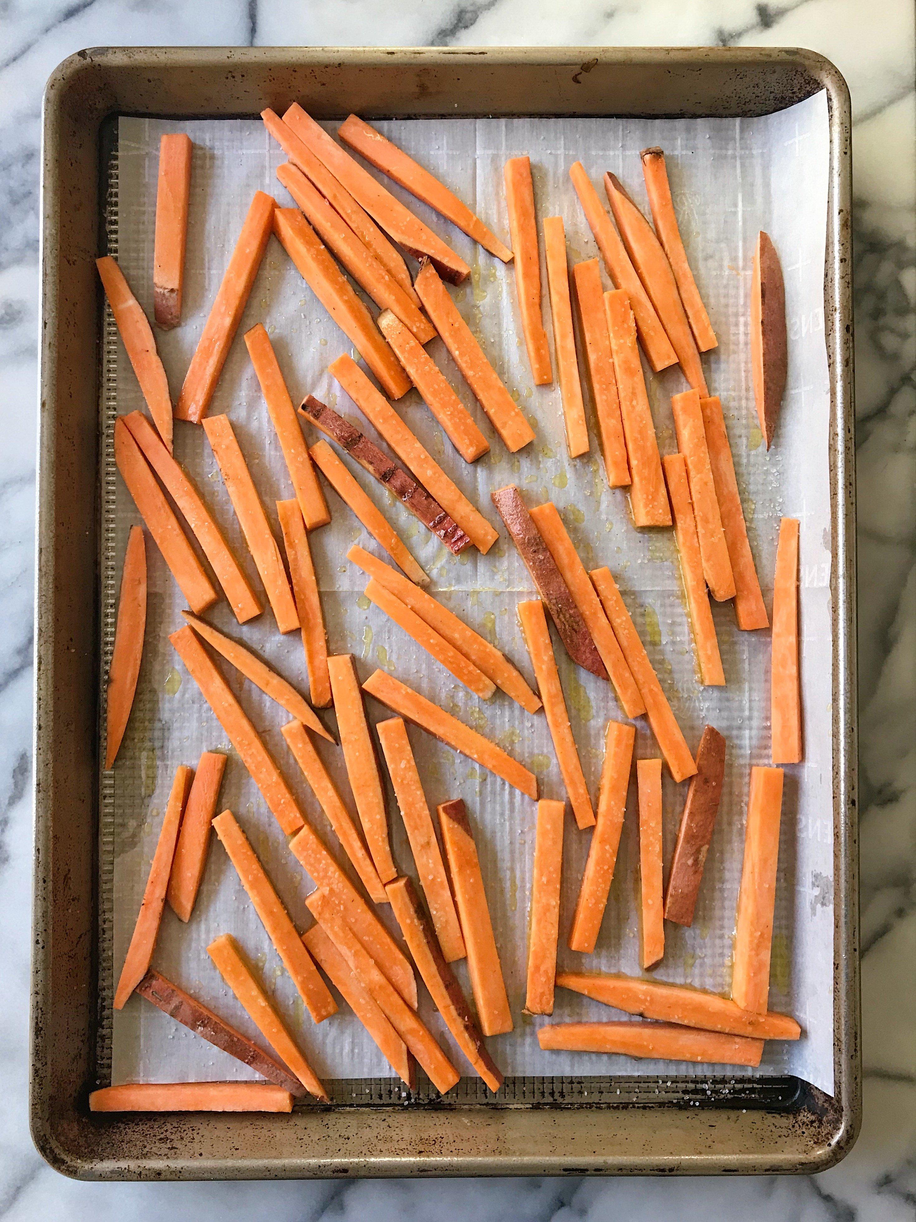 Sweet Potato fries gluten free #glutenfreerecipes www.healthygffamily.com