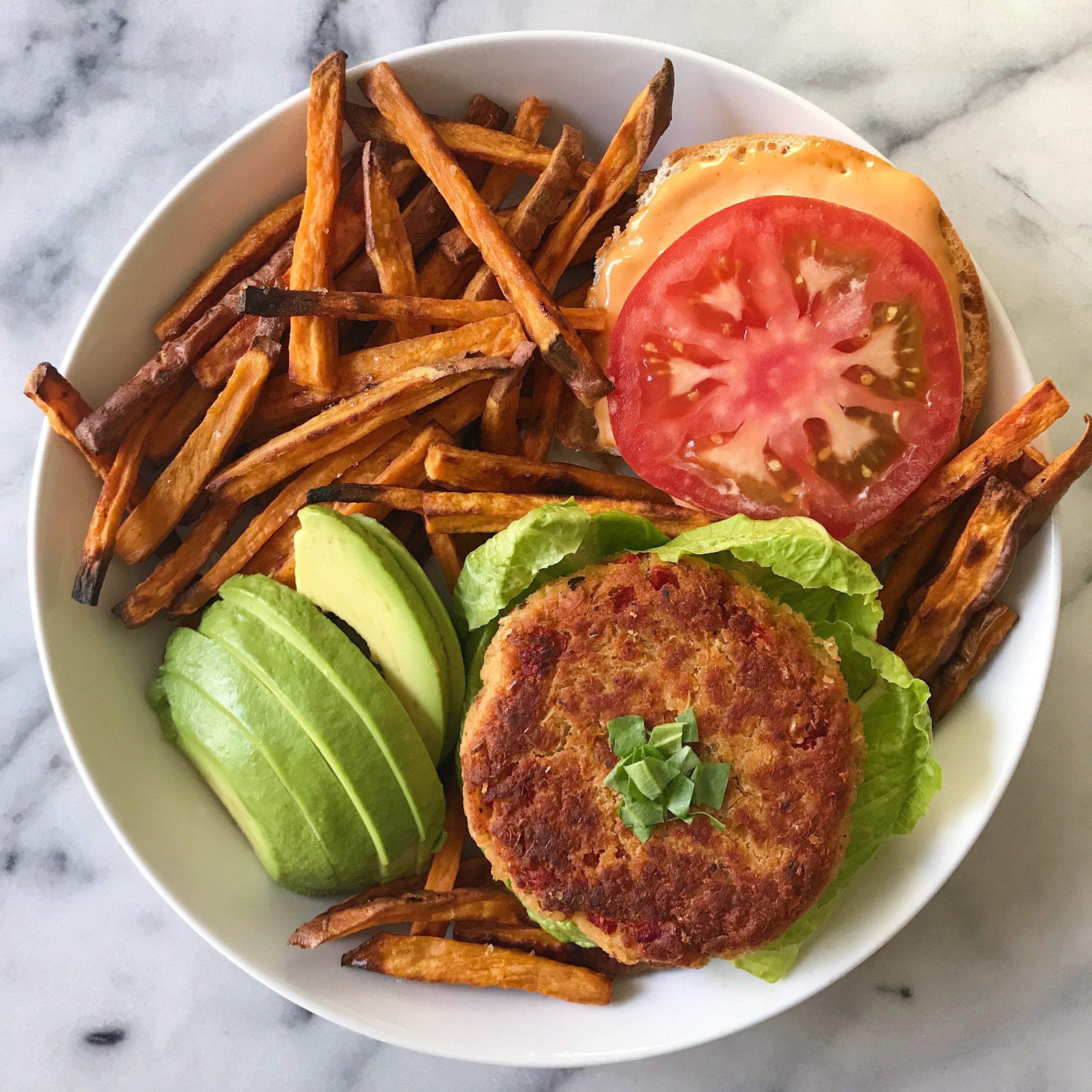 white bean quinoa burger veggie burger gluten free #glutenfreerecipes www.healthygffamily.com